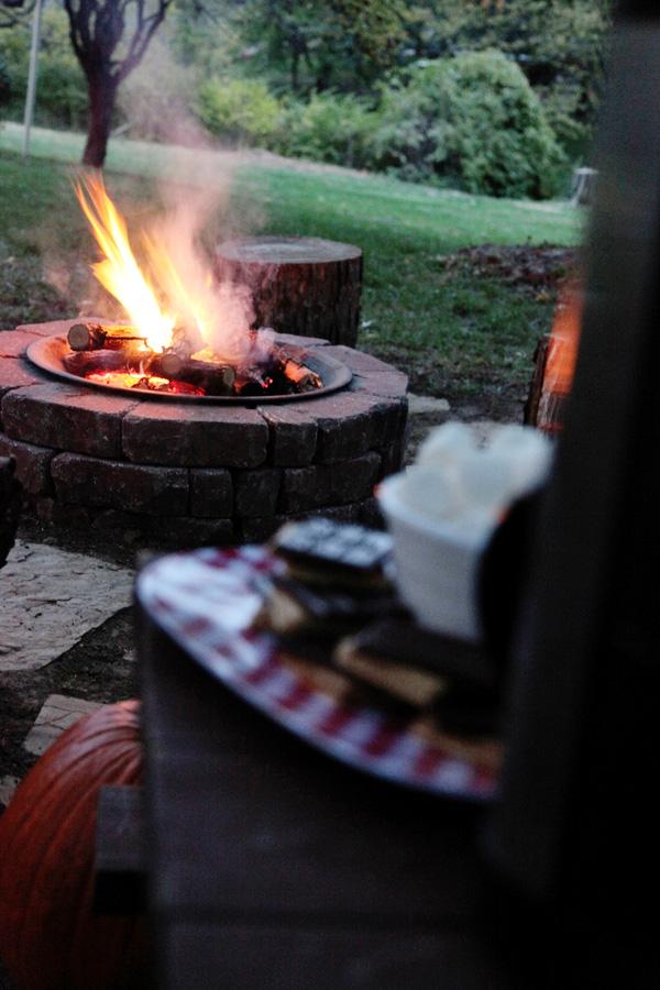 DIY bonfire backyard