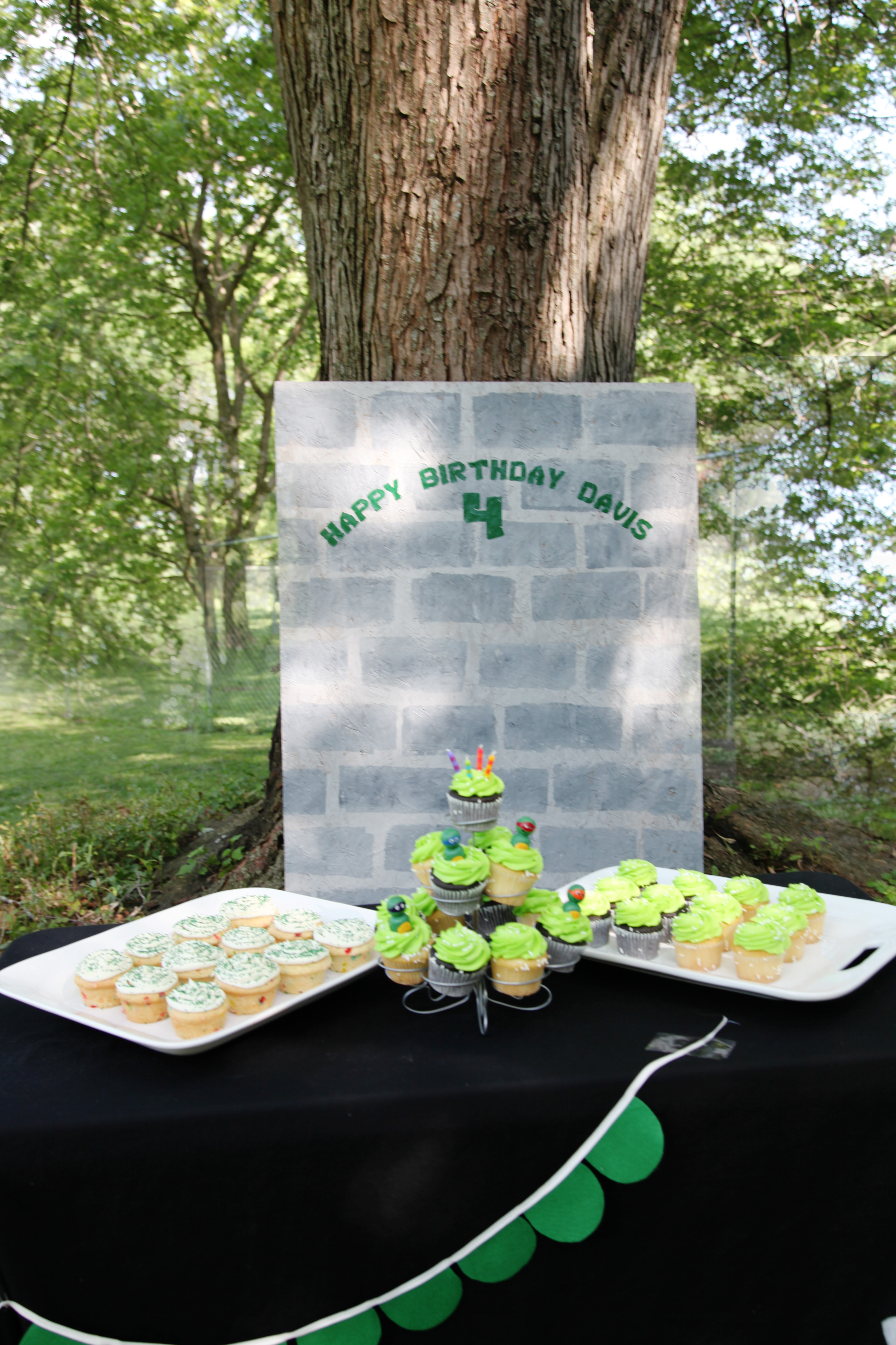 How to have a minimal Teenage Mutant Ninja Turtle Birthday party