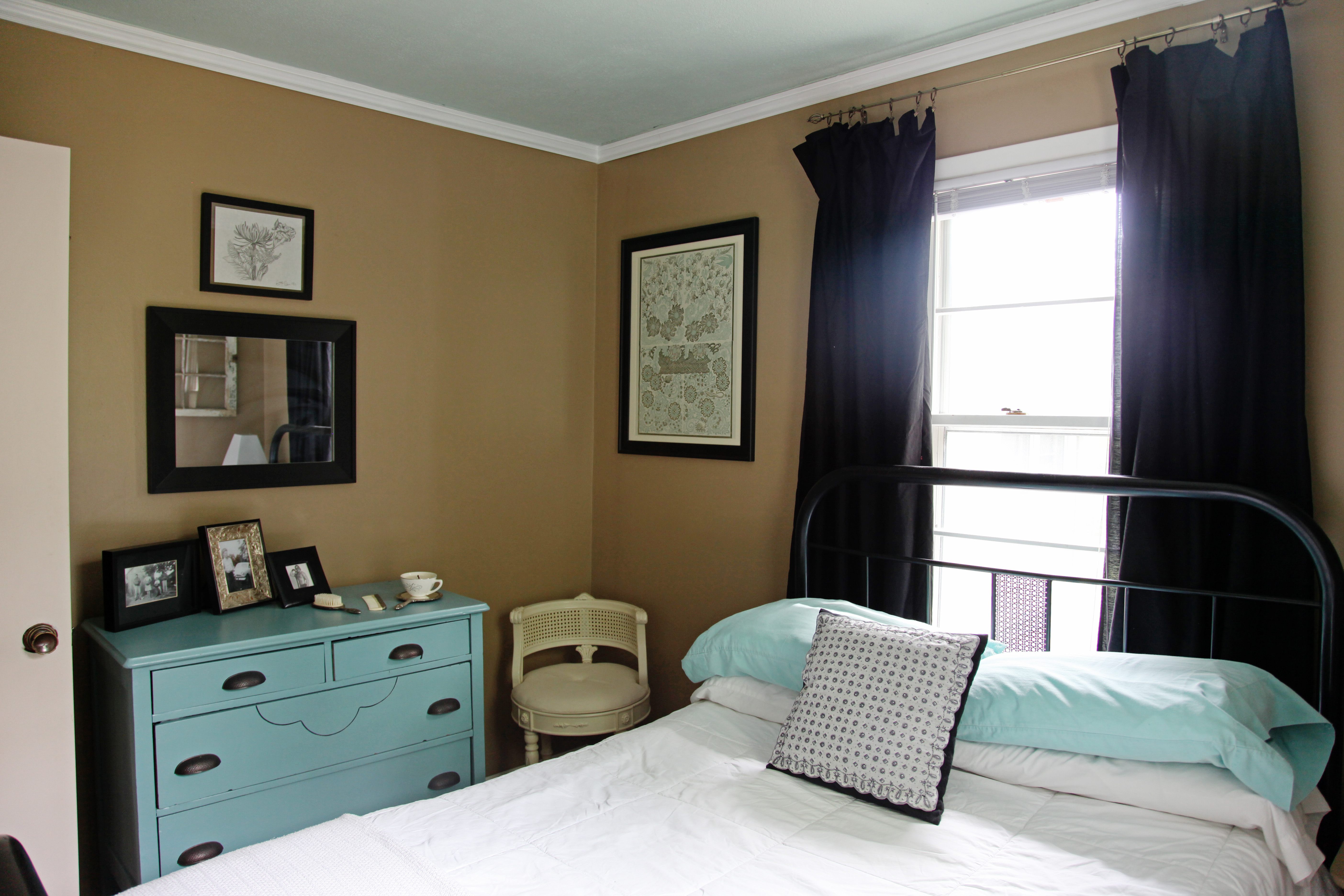 How to decorate a vintage guest room on a budget with diy