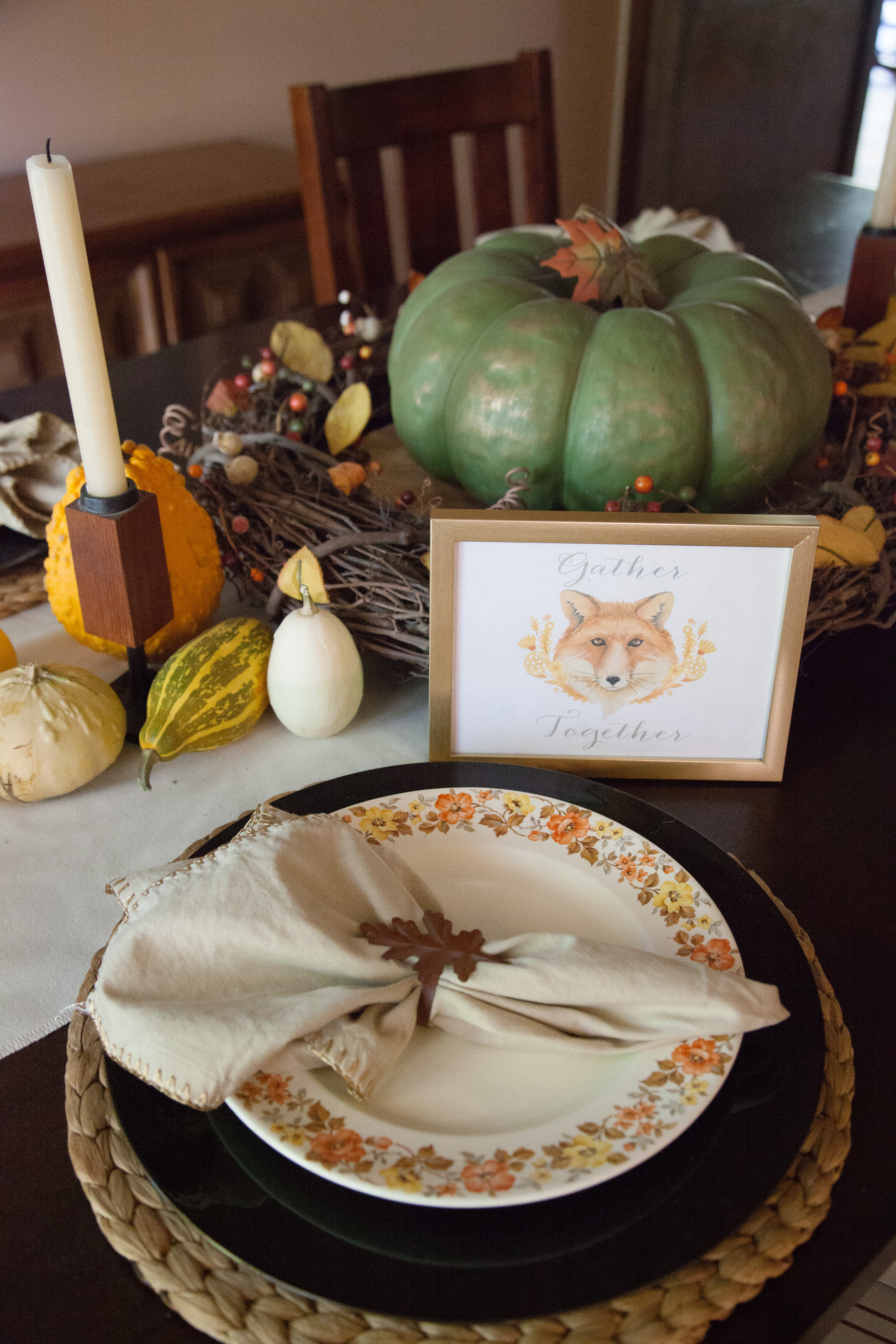 Vintage Traditional Thanksgiving Tablescape